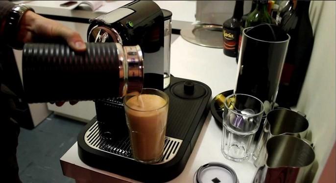 Nespresso DeLonghi Citiz & Milk EN 266 BAE Cafea