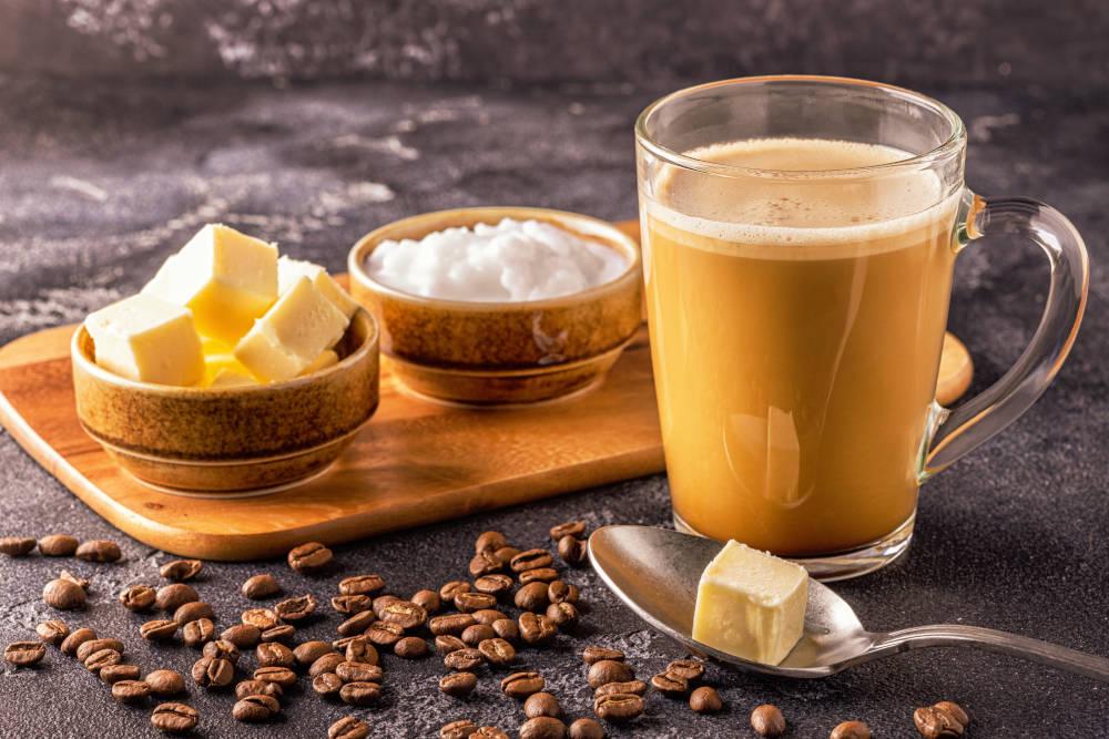 beneficii sanatatea bautura cu ghee si cofeina