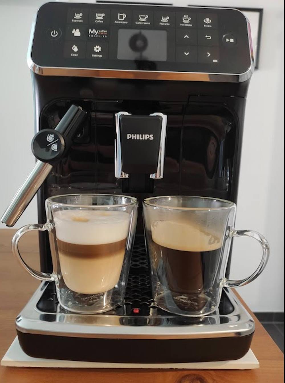 Philips Seria 4300 EP4324 90 espressor cafea